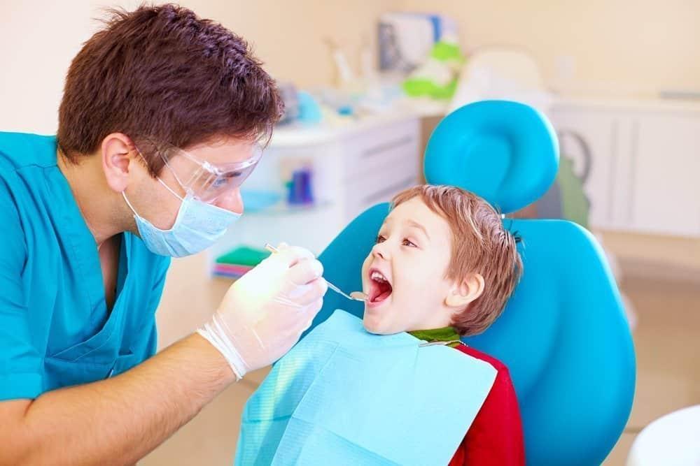 Процессы, за которыми следит детский стоматолог