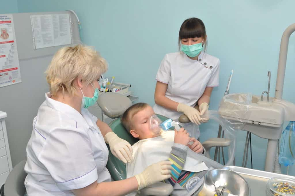 Применение анестезии при стоматологических манипуляциях у детей