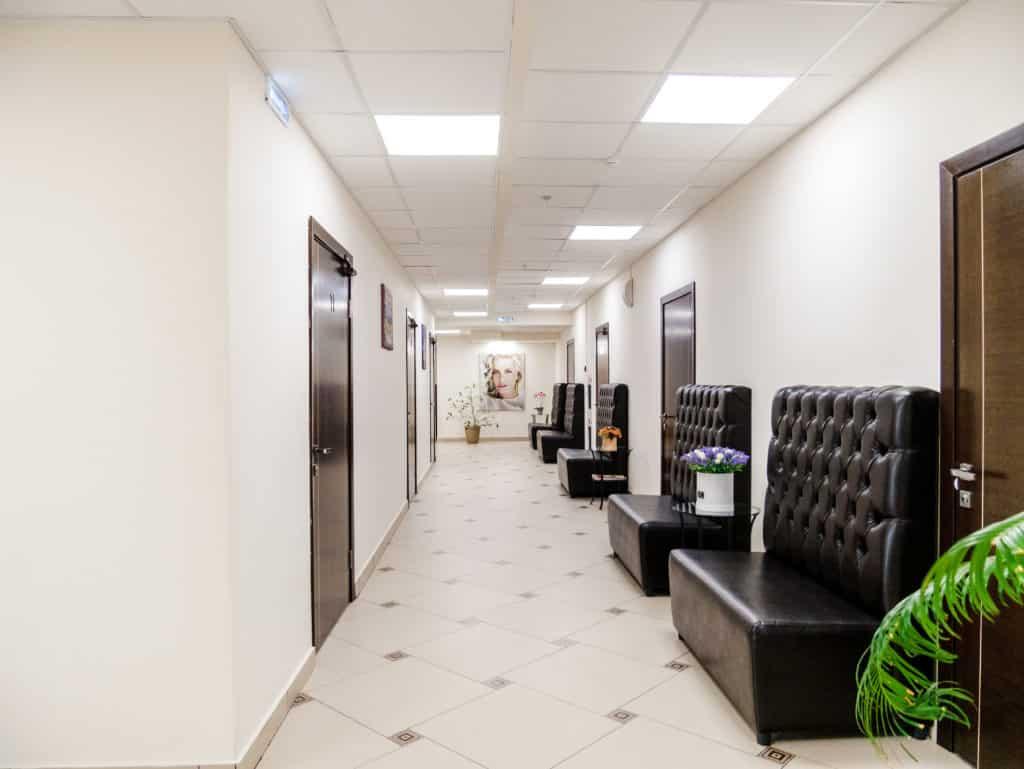 Холл стоматологической клиники Церекон