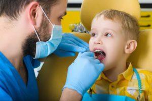 Профессиональное лечение молочных зубов