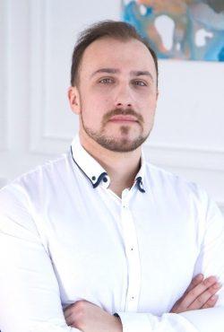 Анисимов Роман Сергеевич - хирург-имплантолог клиники Церекон, Москва