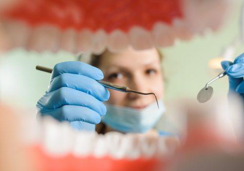 Что означает дистопированный зуб